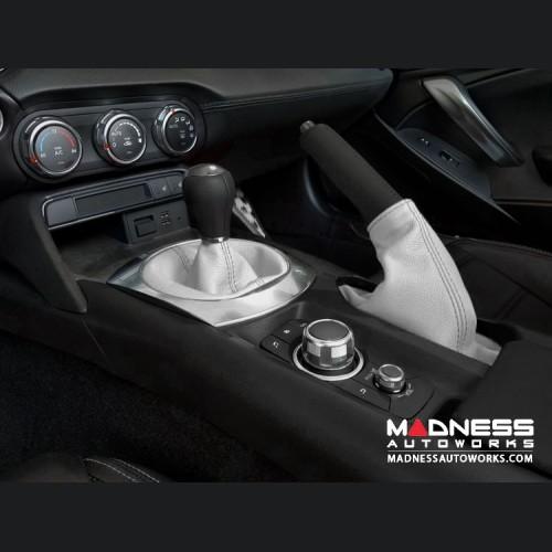 FIAT 124 Spider eBrake Boot - White Leather w/ Black Stitching