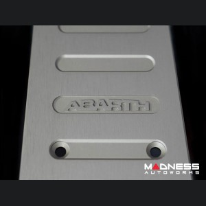 FIAT 500 Pedal Set + Footrest - Aluminum - Machined ABARTH Logos - Manual
