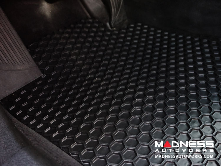 FIAT 500 Floor Mats - All Weather Rubber - Hexomat - Front Set - Black
