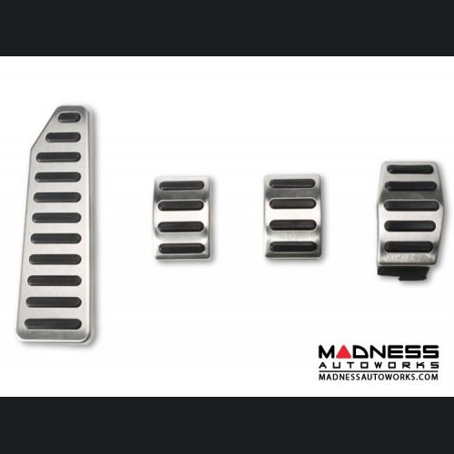 FIAT 500L Pedal Set + Footrest - Manual Transmission