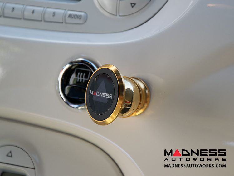 fiat 500 360 degree magnetic smartphone mount by madness. Black Bedroom Furniture Sets. Home Design Ideas