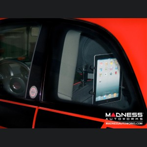 FIAT 500 Hands Free Tablet Mount