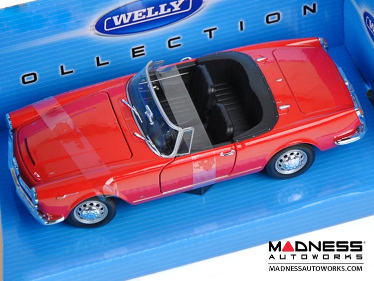 Elegant Alfa Romeo Spider 2600  1960 Soft Top Convertible Down