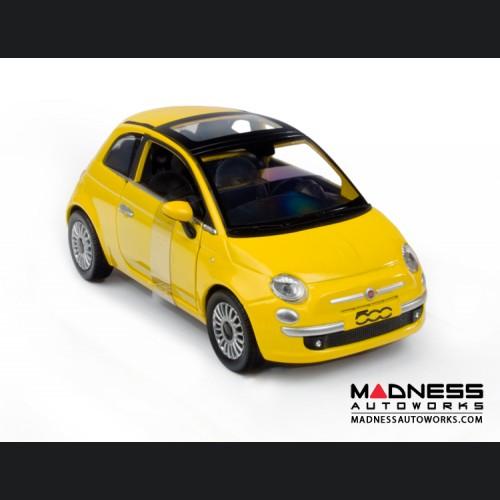 FIAT 500 Die Cast Model 1/24 Scale - Lounge - Yellow