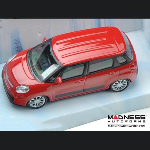 FIAT 500L Die Cast Model (1/43 scale) - Red by Mondo Motors