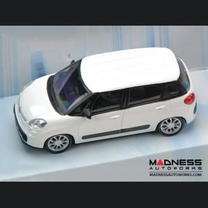 FIAT 500L Die Cast Model 1/43 scale - White by Mondo Motors