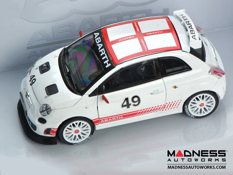 FIAT 500 ABARTH Assetto Corse - Die Cast Model - White (1/24 scale) by Motorama