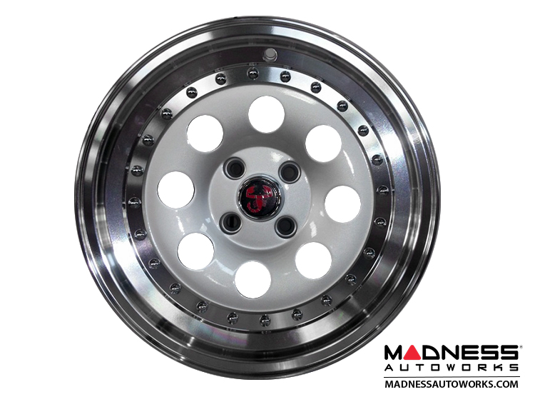 Fiat 500 Custom Wheel Senna Hyper Silver Center W