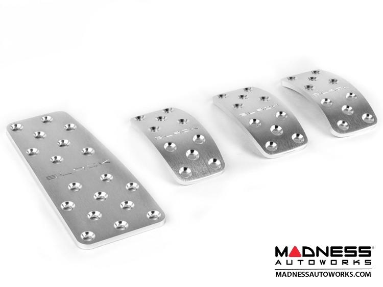 FIAT 500 Pedal Set + Footrest - Manual - Aluminum